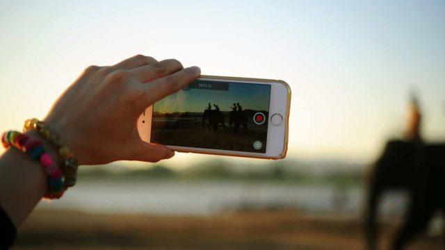 Wie sich dein Video auf Social Media Plattformen viral verbreitet 24