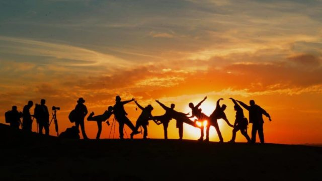 people-group-sunset
