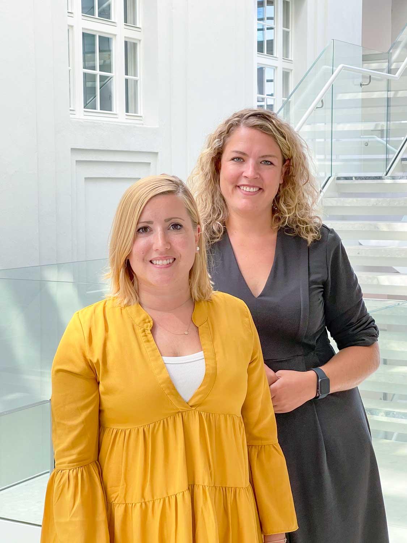 Lisa und Kerrin sind für Social Media bei der Österreichischen Post und der bank99 zuständig.